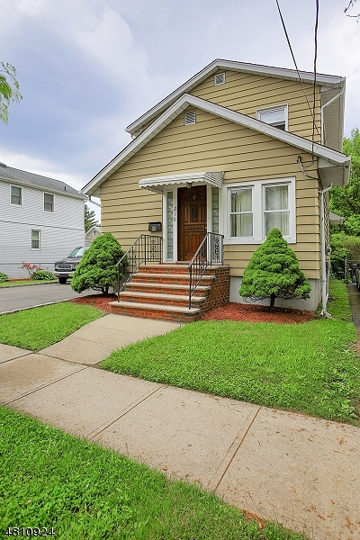 Roselle Park Boro Single Family Home For Sale: 218 Locust St