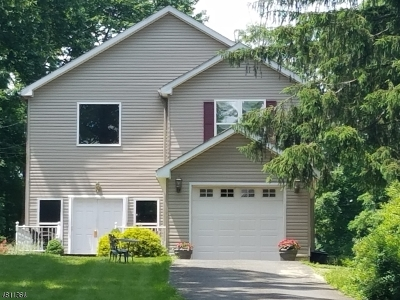 Berkeley Heights Single Family Home For Sale: 415 Emerson Ln