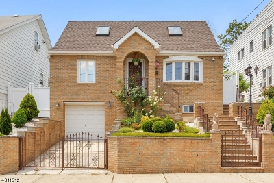 Kearny Town Single Family Home For Sale: 105 Windsor St