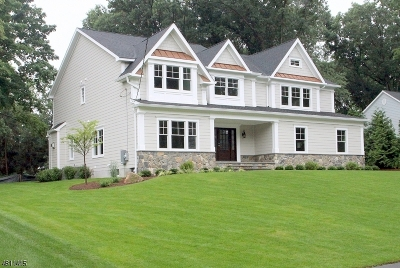 Wyckoff Twp. Single Family Home For Sale: 52 Barrett Ln