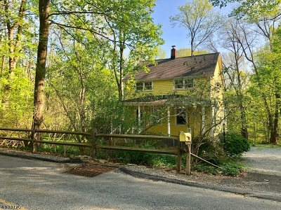 Mendham Boro, Mendham Twp. Single Family Home For Sale: 8 Combs Hollow Rd