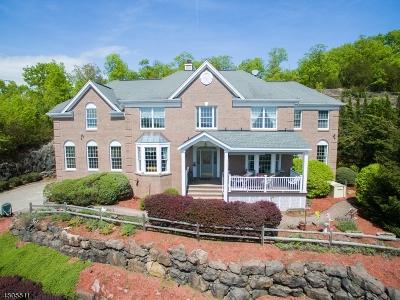 Wayne Twp. Single Family Home For Sale: 11 Vizcaya Ct