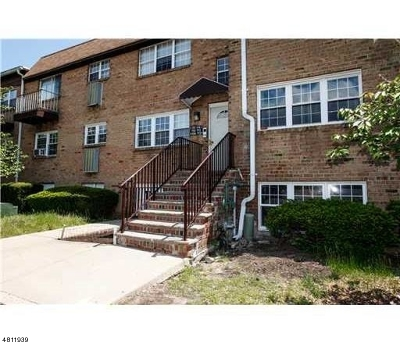 Edison Twp. Condo/Townhouse For Sale: 114 College Dr