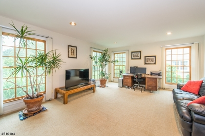 Mendham Boro Single Family Home For Sale: 18 Phoenix Dr