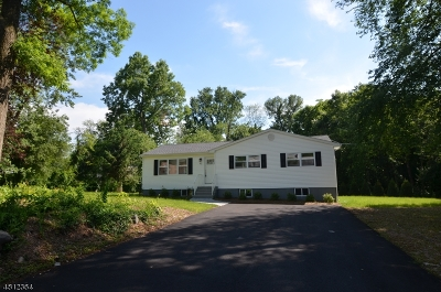 East Hanover Twp. NJ Single Family Home Active Under Contract: $459,000