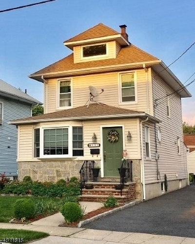 Union Twp. Single Family Home For Sale: 985 Union Ter