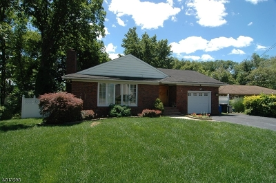 West Caldwell Twp. Single Family Home For Sale: 162 Clinton Rd