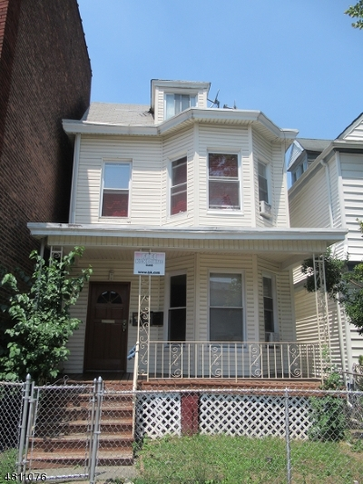 Passaic City Multi Family Home For Sale: 192 Broadway