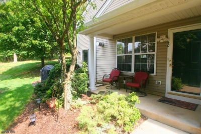 Bedminster Twp. Condo/Townhouse For Sale: 40 Heatherwood Ln