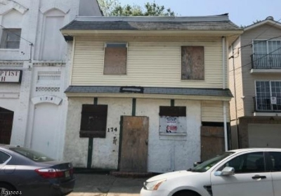 Paterson City Multi Family Home For Sale: 174 12th Ave