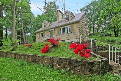 Long Hill Twp Single Family Home For Sale: 92 Long Hill Rd