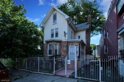 Single Family Home For Sale: 114 S 13th St