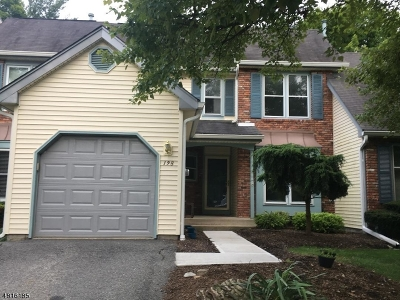 Warren County Condo/Townhouse For Sale: 198 Goldfinch Ct