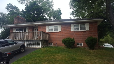 Morris County Single Family Home For Sale: 2 Beaver Trl