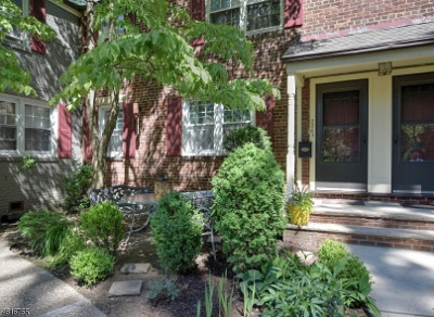 Cranford Twp. Condo/Townhouse For Sale: 204 Lincoln Park E