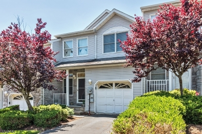 Parsippany-Troy Hills Twp. Condo/Townhouse For Sale: 64 Summerhill Dr