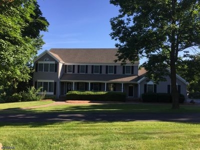 Clinton Twp. Single Family Home For Sale: 3 Country Oaks Rd