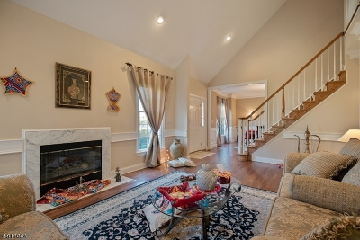 Bernards Twp. Condo/Townhouse For Sale: 7 Georgetown Ct