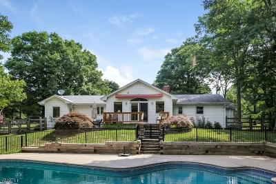 Bernards Twp. Single Family Home For Sale: 44 Melbourne Way