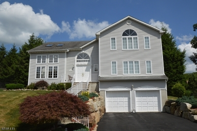 Rockaway Twp. Single Family Home For Sale: 53 Sherbrook Dr