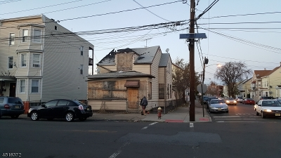 Paterson City Single Family Home For Sale: 95 4th Ave