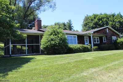 Raritan Twp. Single Family Home For Sale: 3 Old Clinton Rd