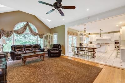 Long Hill Twp Single Family Home For Sale: 99 Jodi Ln