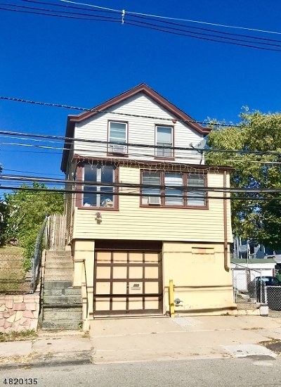 Paterson City Single Family Home For Sale: 385 Crosby Ave