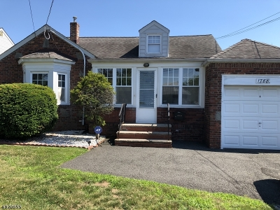 Union Twp. Single Family Home For Sale: 1788 Oak Hill Dr