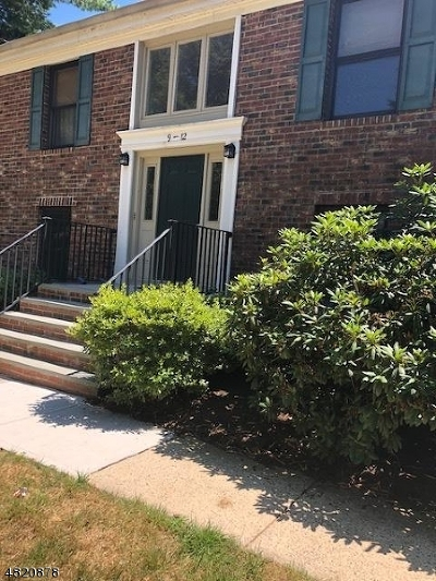 Long Hill Twp Condo/Townhouse For Sale: 11 Sunrise Dr