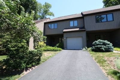 Morristown Town Condo/Townhouse For Sale: 9 Carolyn Ct
