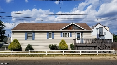 Manville Boro Single Family Home For Sale: 8 N 3rd Ave