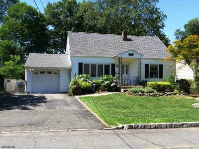 West Orange Twp. Single Family Home For Sale: 4 Westover Ter