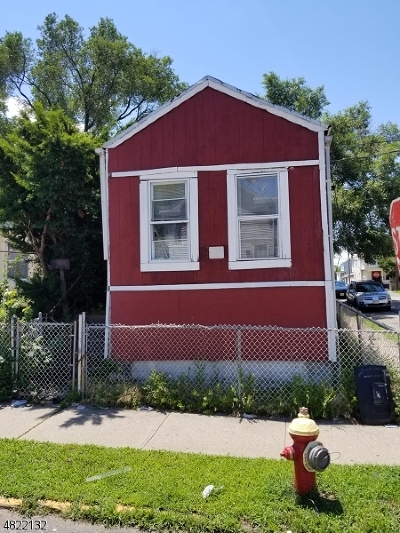 Paterson City Single Family Home For Sale: 33 Sheridan Ave