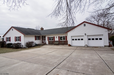 Clinton Town Single Family Home For Sale: 7 Fox Hill Rd
