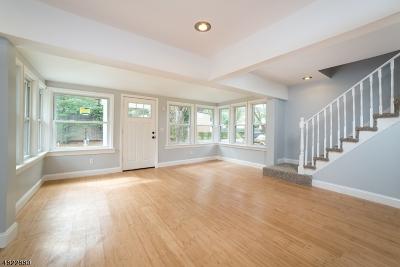 Roxbury Twp. Single Family Home For Sale: 17 Manor Pky