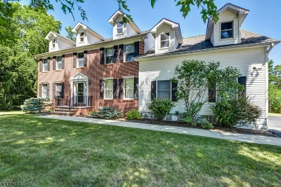 Long Hill Twp Single Family Home Active Under Contract: 11 Country Ln
