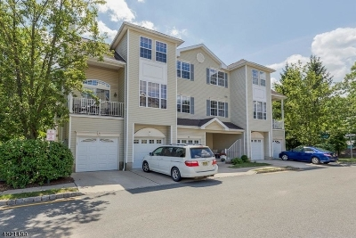 Morris Twp. Condo/Townhouse For Sale: 70 Wildflower Ln