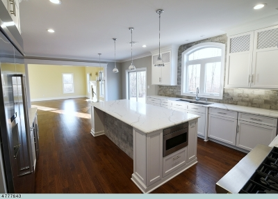 Basking Ridge Single Family Home For Sale: 29 Fawn Ln