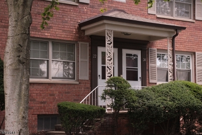 Millburn Twp. Condo/Townhouse For Sale: 22 A Lakeside Dr