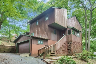 Summit Single Family Home For Sale: 43 Sheffield Rd
