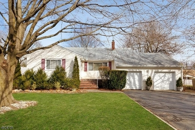 Wayne Twp. Single Family Home For Sale: 830 Valley Rd