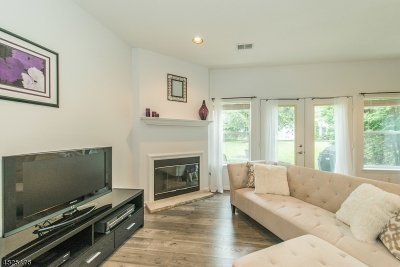 Wayne Twp. Condo/Townhouse For Sale: 8034 Brittany Dr