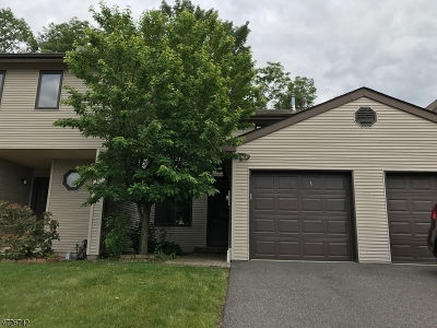 Raritan Twp. Condo/Townhouse For Sale: 5 Dogwood Cir
