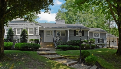 West Caldwell Twp. Single Family Home For Sale: 1 Cavell Pl