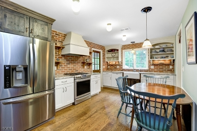 Scotch Plains Twp. Single Family Home For Sale: 1122 Maple Hill Rd