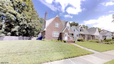 Union Twp. Single Family Home For Sale: 142 Indian Run Pky