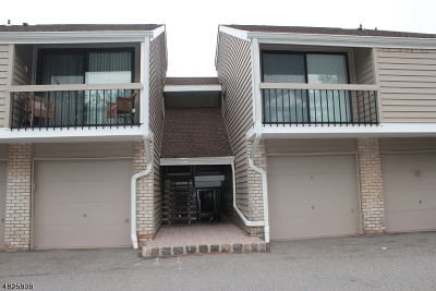 Union Twp. Condo/Townhouse For Sale: 7 Overlook Dr