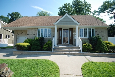 Union Twp. Single Family Home For Sale: 1917 Churchill Dr