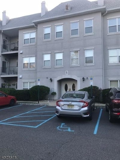 Wayne Twp. Condo/Townhouse For Sale: 514 Brittany Dr